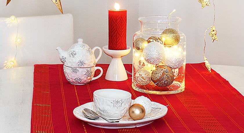 Iper la tavola di natale il cuore della casa - Addobbi natalizi per tavola da pranzo ...